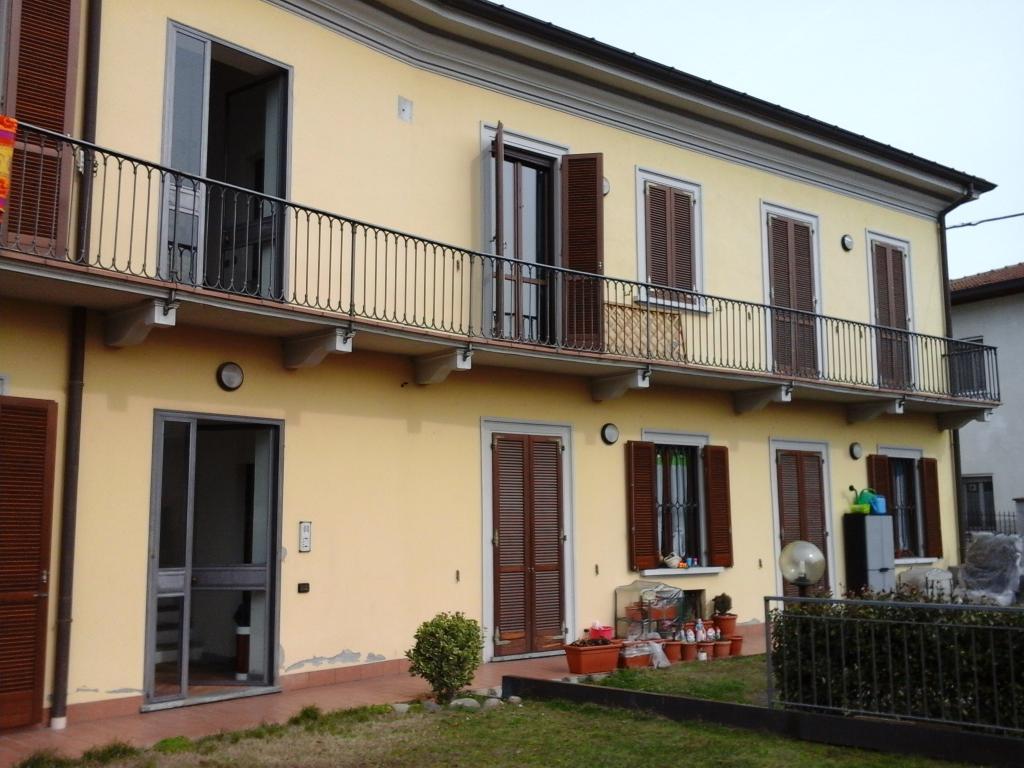 Restauro casa di ringhiera a sesto calende via piave impresa edile manzoni - Restauro immobili ...